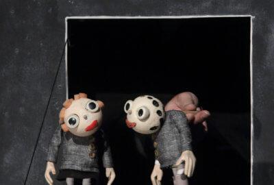 Les deux marionnettes de la compagnie Bouffou Théâtre dans Du vent dans la tête
