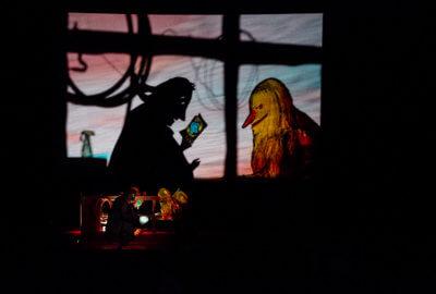 Lila et son ami Rien en ombres dans Moi et Rien de Teatro Gioco Vita