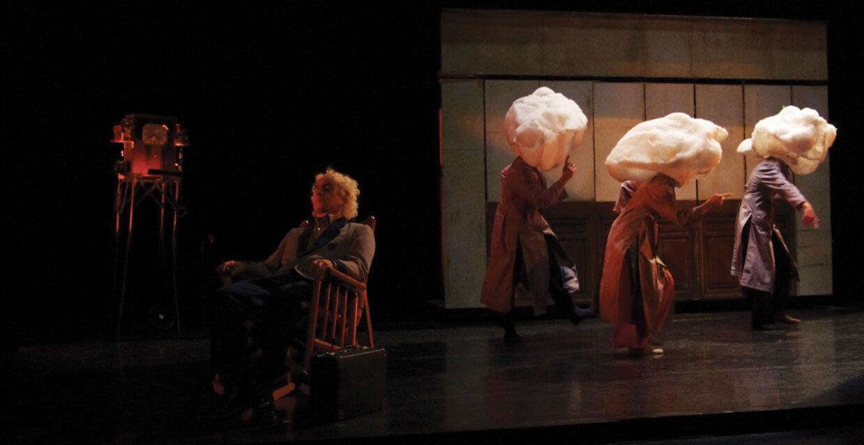 Les danseurs de la compagnie Arcosm dans le spectacle Sens