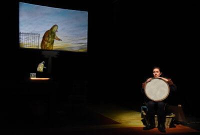 Valeria Barreca du Teatro Gioco Vita dans le spectacle Moi et rien