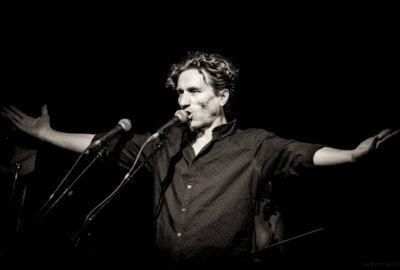 Laurent Fellot, le chanteur du groupe Des fourmis dans les mains