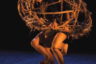 Les deux danseuses dans KadabraK par la compagnie Marie-Louise Bouillonne