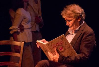 Daniel Pennac dans la pièce Un amour exemplaire