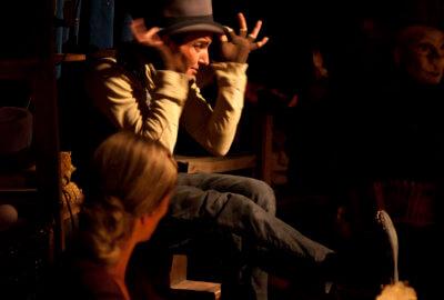 Les deux interprètes de Bêtes de foire - petit théâtre de gestes