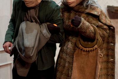 Andre et Dorine, un couple âgé qui tente de faire remonter leurs souvenirs